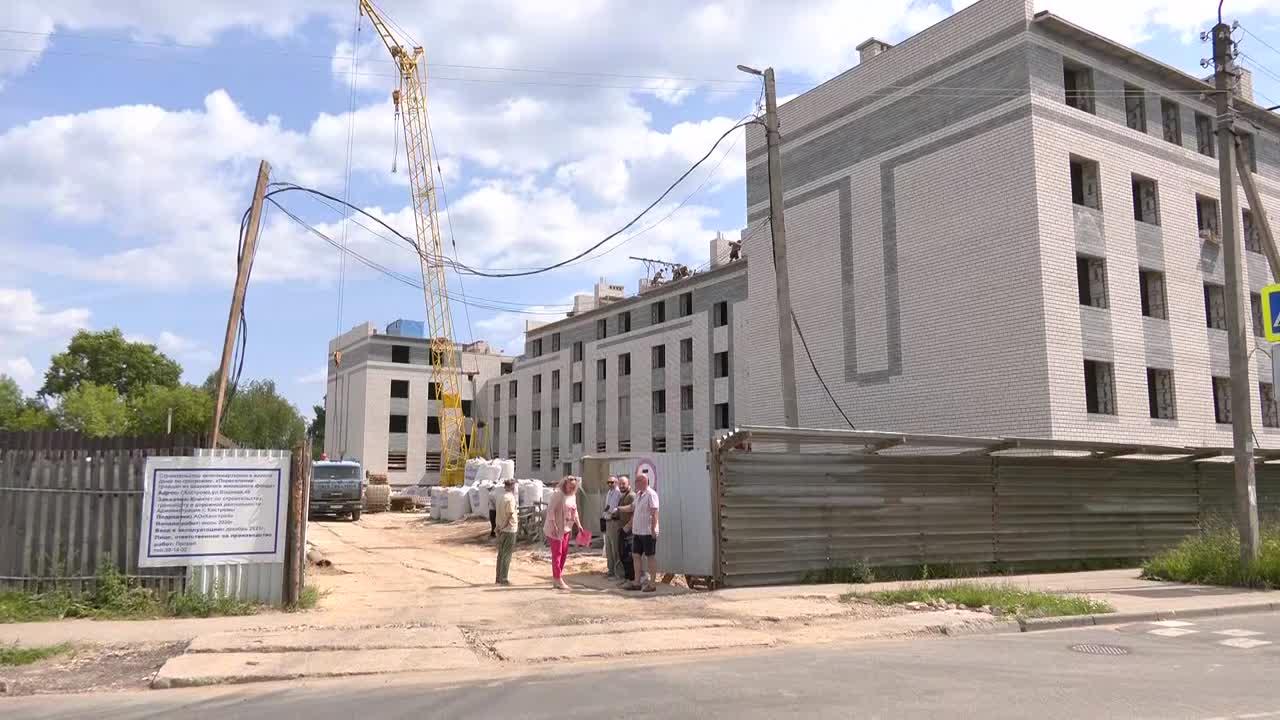В Костроме на улице Водяной завершается строительство 64-х квартирного дома