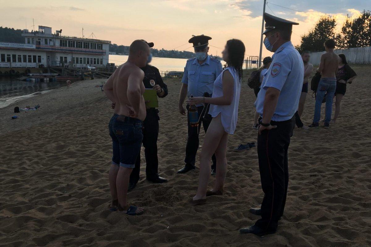 Костромской пляж с ароматом спиртного