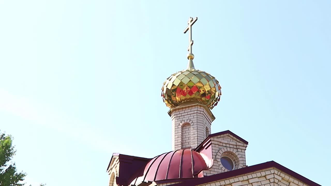 Сегодня в Костроме освящен алтарь нового православного храма