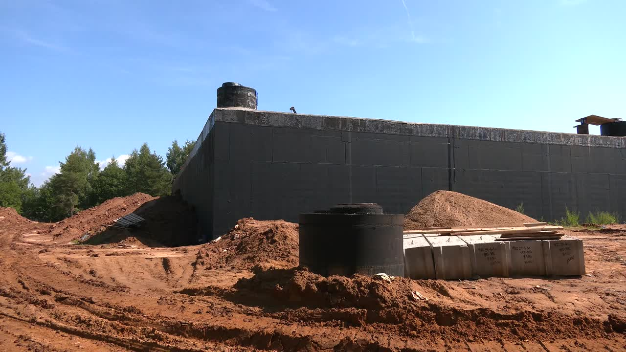 В костромском Заволжье завершается строительство резервуара чистой воды.