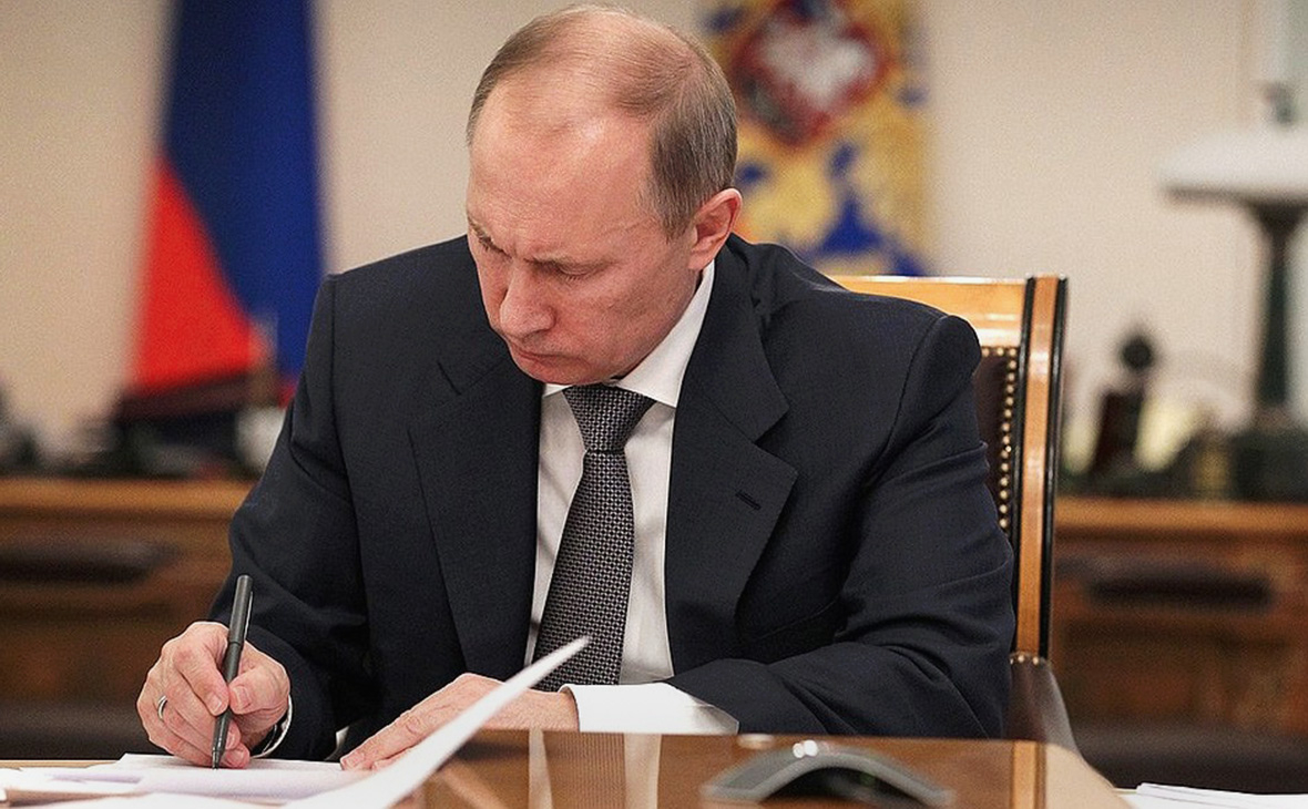Единовременную выплату, анонсированную на Съезде «Единой России», военные, курсанты и сотрудники правоохранительных органов получат в сентябре