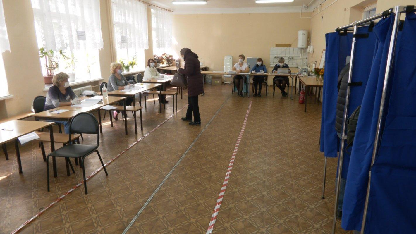 23, 76%. Именно такое количество избирателей приняло участие в выборах  на 10 утра