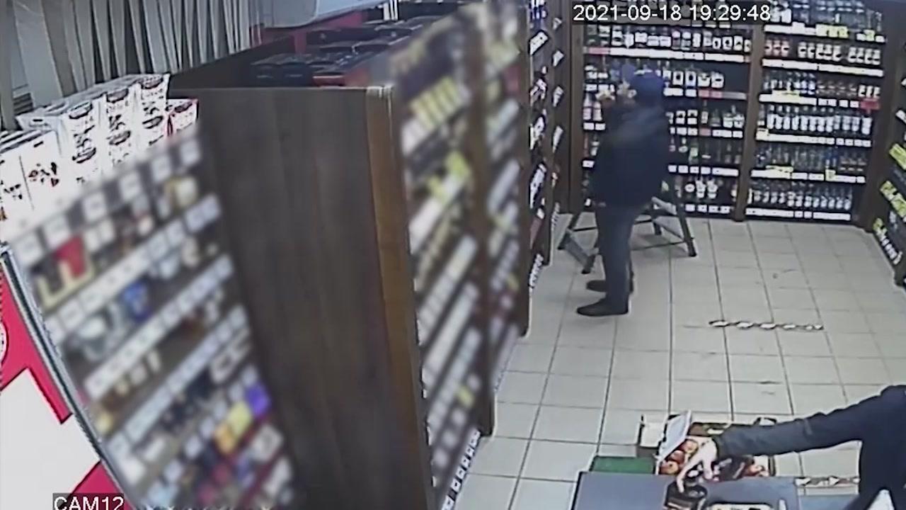 Двух любителей дорогостоящего алкоголя разыскивают костромские полицейские