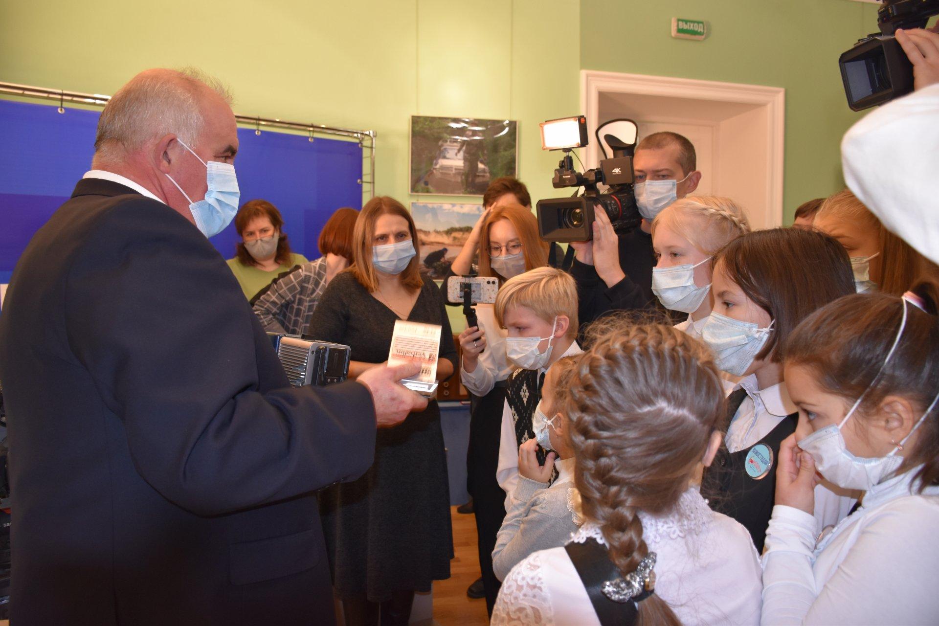 О том, как менялось областное телевидение, костромским школьникам рассказал Сергей Ситников