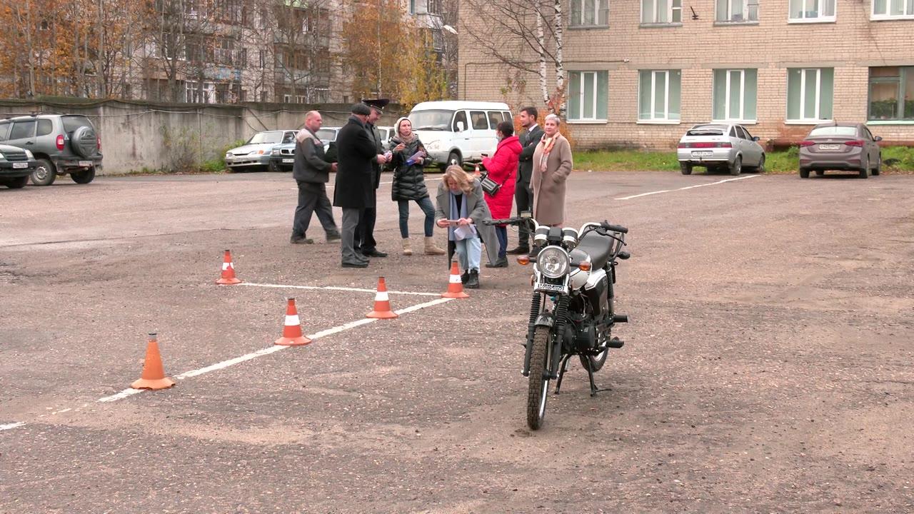 В Костроме открылась бесплатная автошкола для  школьников