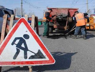 В Октябрьском районе Костромской области ремонтируют участок дороги от деревни Мокроносово до села Луптюг