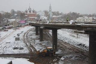 В Костроме на мосту через Волгу опять ремонт