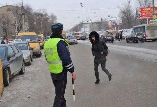 Костромские госавтоинспекторы взяли под контроль аварийно-опасные участки для пешеходов