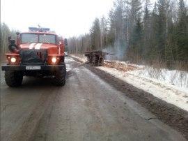 В Кадыйском районе «КАМАЗ» упал в кювет и загорелся