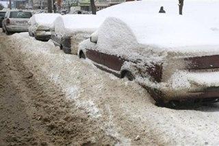 Костромские дорожники вновь просят автомобилистов на парковаться на обочинах