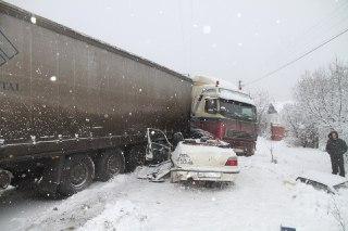 В Костроме в аварии погибла 8-летняя девочка