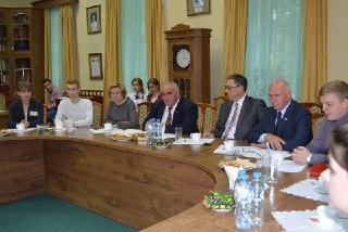 Костромской губернатор предложил вернуть профильные классы