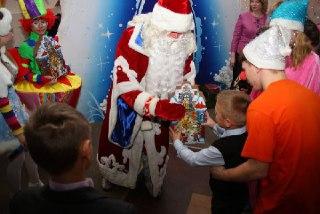 Костромские спасатели поздравят с Новым годом пациентов детской больницы