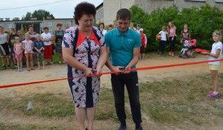Новую спортплощадку построили к 1-му сентября в селе Адищево Островского района