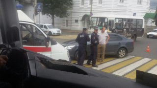 В Костроме водитель Шкоды Октавии сбил пешехода